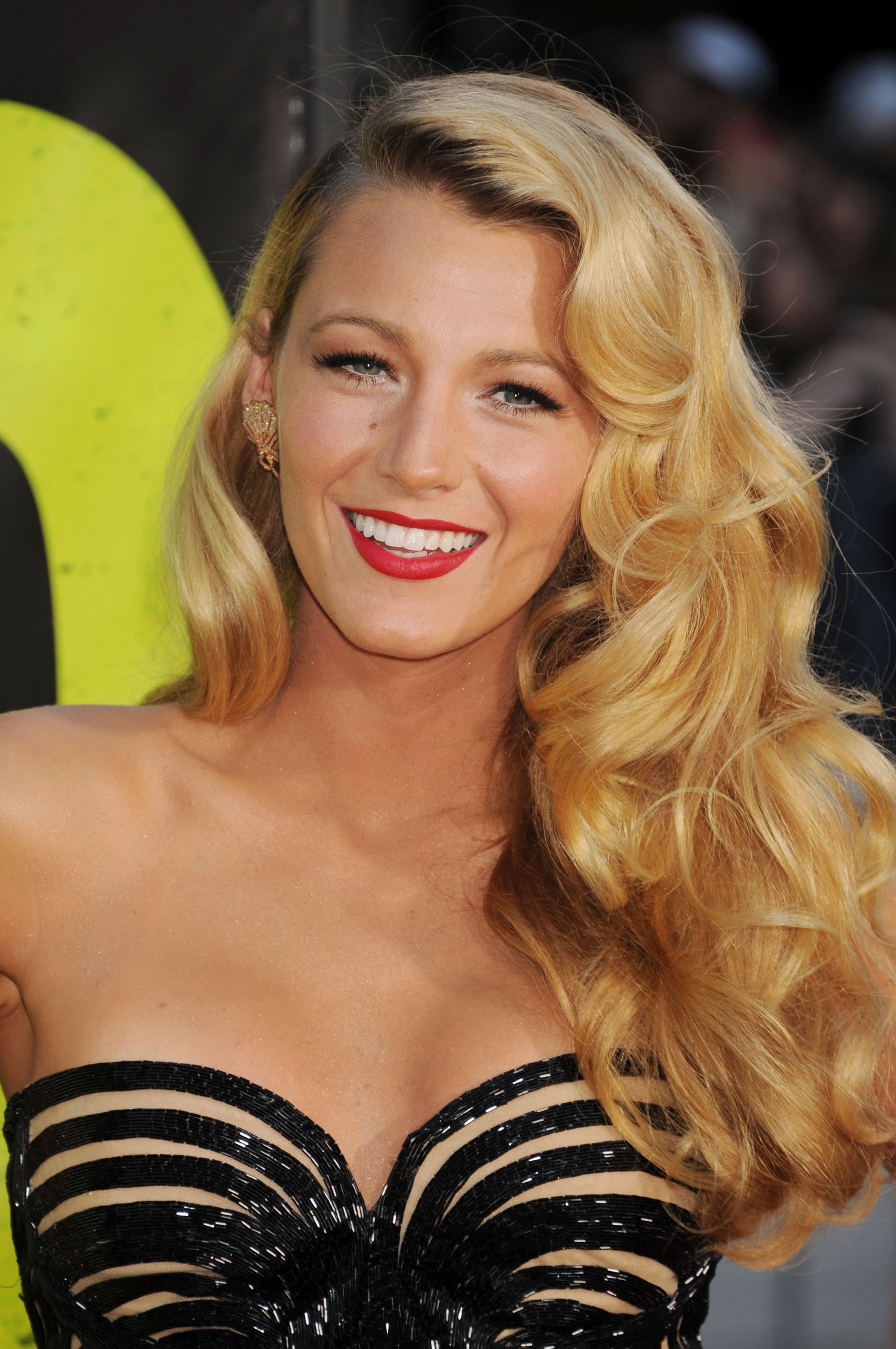 Blake Lively's Hair Stylist Only Uses This One Tool ... Blake Lively