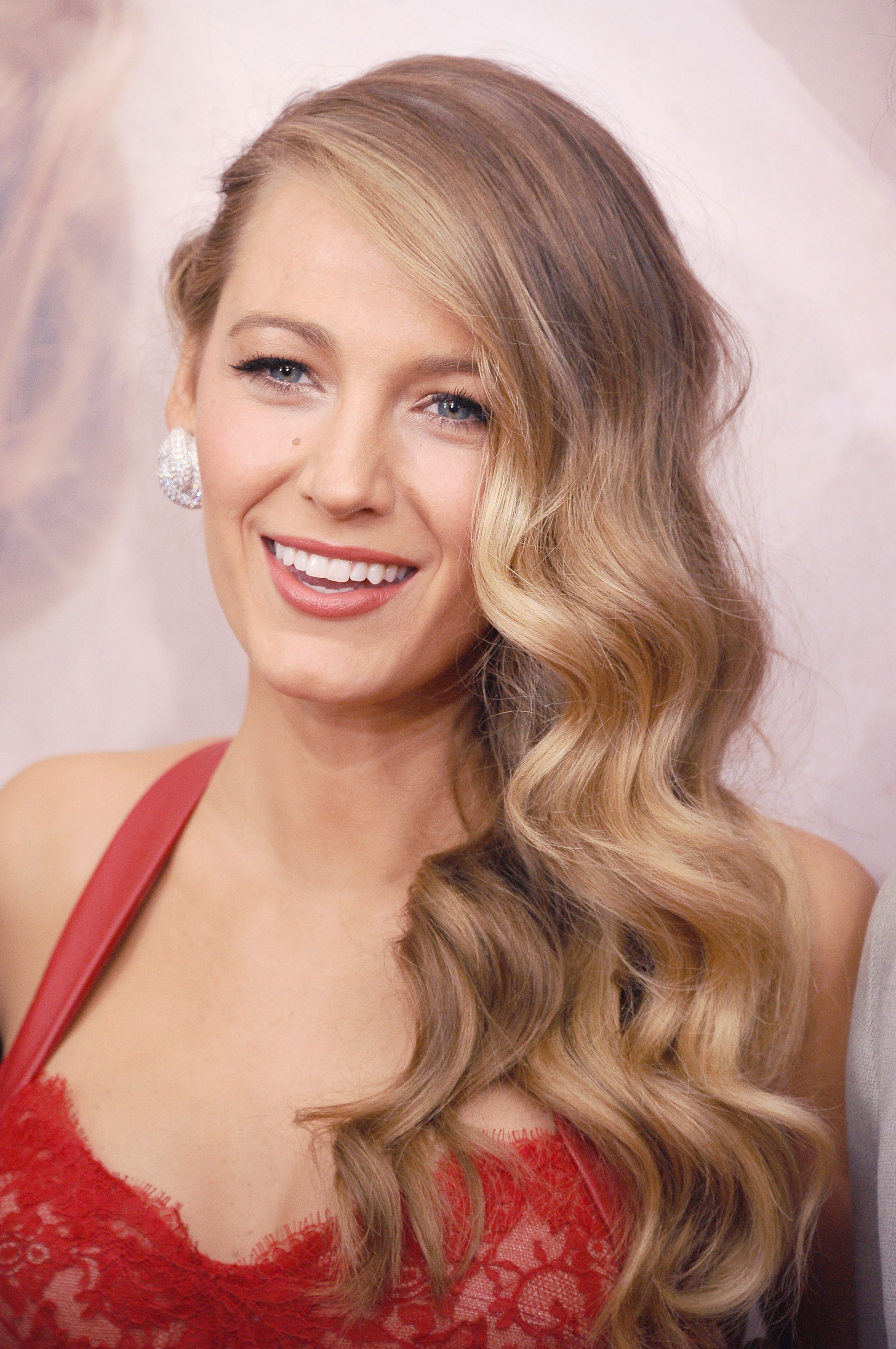 27 Brilliant Ways To Advertise Blake Lively Hairstyles