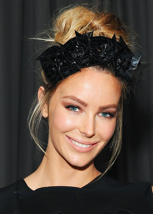 Jennifer Hawkins race day makeup