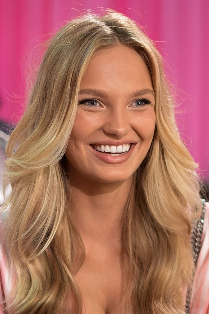 Must Have Hair Brushes To Copy These Celeb Hairstyles