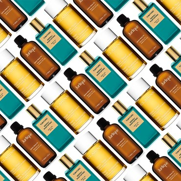 Scented oils that pamper you from head to toe