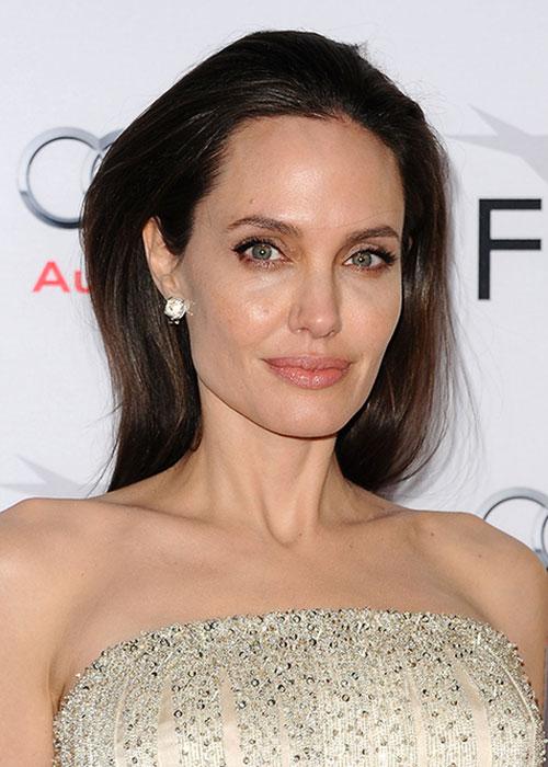 Angelina Jolie Lands A Big New Beauty Role Beauty Crew