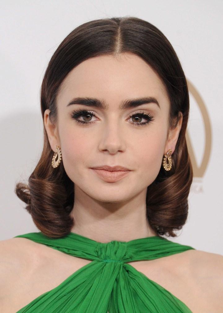 Lily Collins' Makeup-Free Selfie Is The Best One Yet ...