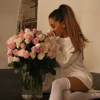 /media/19179/fragrance-lock-ariana-grande-square.jpg