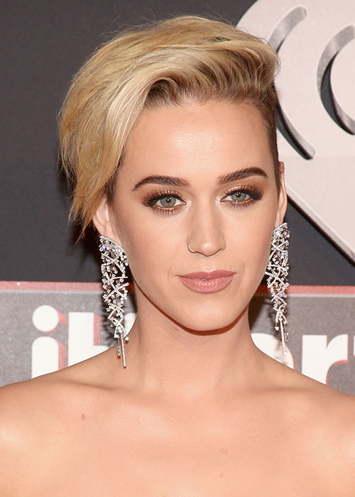 debff0a520d How To Do Katy Perry's iHeart Radio Makeup   BEAUTY/crew