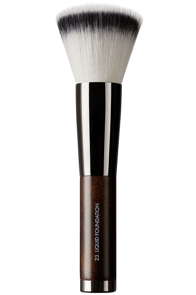 Rae Morris Brush 23: Liquid Foundation