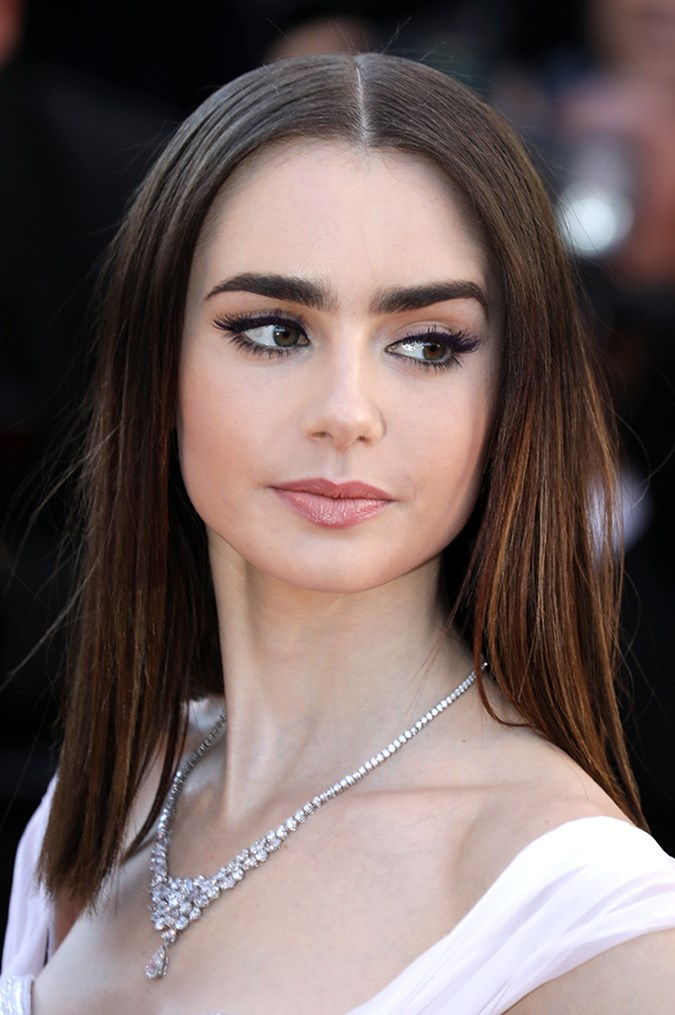Lily Collins Debuts A Completely New Hairstyle | BEAUTY/crew