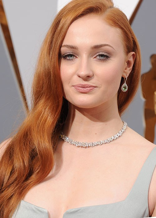 Sophie Turner hair dye