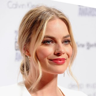 /media/21311/margot-robbie-square.jpg