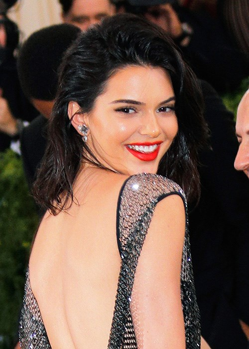 Kendall Jenner's Unexpected Way To Avoid Back Acne