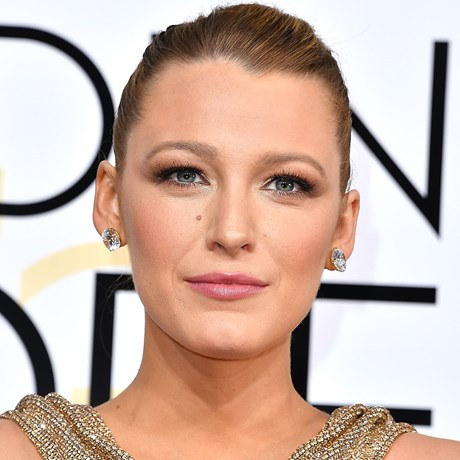 Matte Smoky Eye Makeup How-to: Blake Lively
