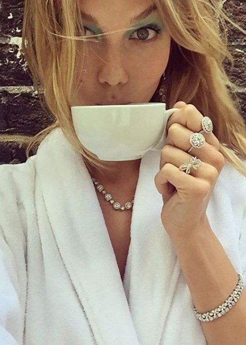 Karlie-Kloss-bone-broth