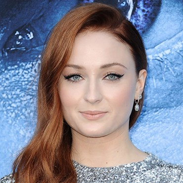 How To Get Glowing Skin All Winter Long - Sophie Turner