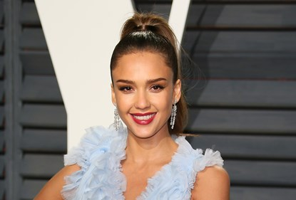 Fake-tan-with-makeup-jessica-alba