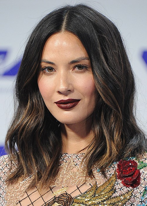 How-to: Burgundy Lipstick - Olivia Munn MTV VMAs 2017