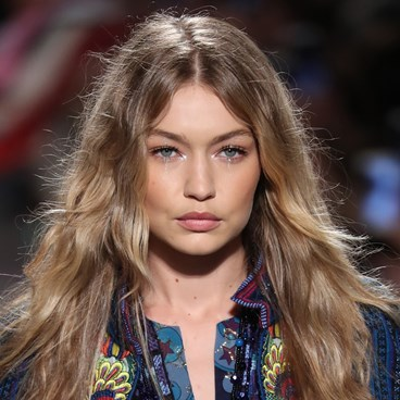 Nighttime Routine That Will Repair Your Hair By Morning - Gigi Hadid