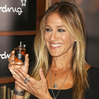 /media/22863/sarah-jessica-parker-tips-for-buying-a-fragrance-s.jpg