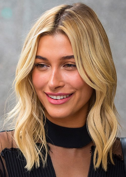 How To Summer's Easiest Makeup Look - Hailey Baldwin