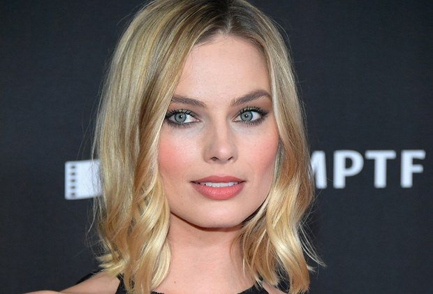 2017 Coolest Cuts & How To Style Them Like A Celeb - Margot Robbie