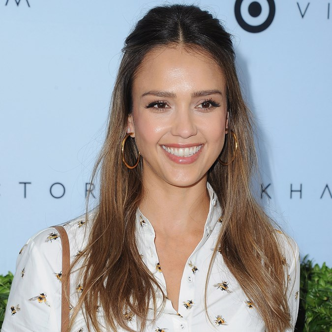 2017 Coolest Cuts & How To Style Them Like A Celeb - Jessica Alba