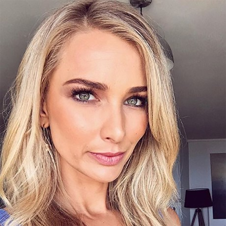 Anna Heinrich Everyday Makeup Routine