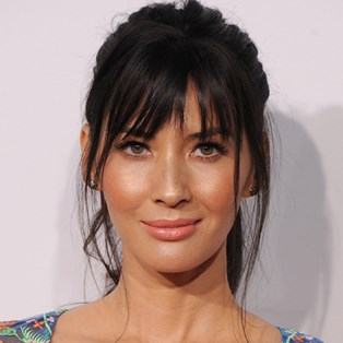 Simple Steps For The Perfect Summer Makeup Base - Olivia Munn