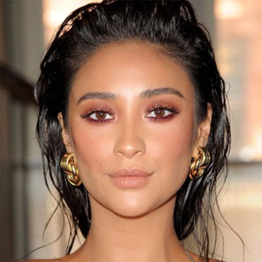 Shay Mitchell eyeshadow
