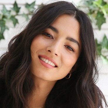 Sexy Low-Key Makeup Look You Need In Your Arsenal - Jessica Gomes