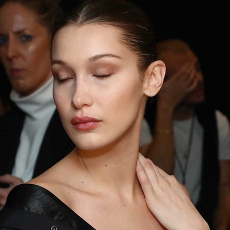 Beauty Tricks To Hide The Fact That You're Tired - Bella Hadid