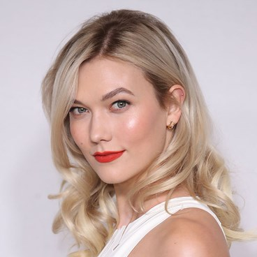 Karlie Kloss highlighter