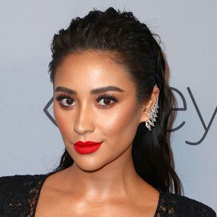 Shay Mitchell red lipstick
