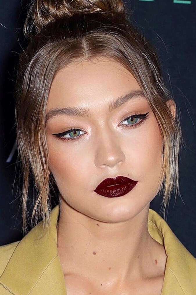Gigi Hadid Just Wore Dark Berry Lips And We Re Obsessed