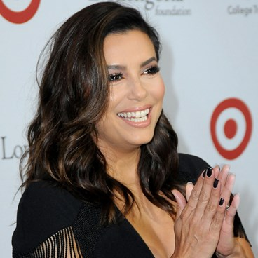 The Easy Skin Care Tip For Looking Younger - Eva Longoria