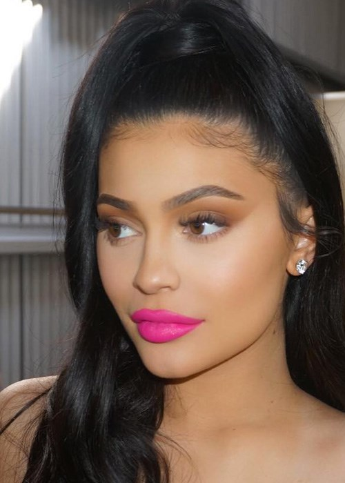 Kylie Jenner just posted a makeup-free photo