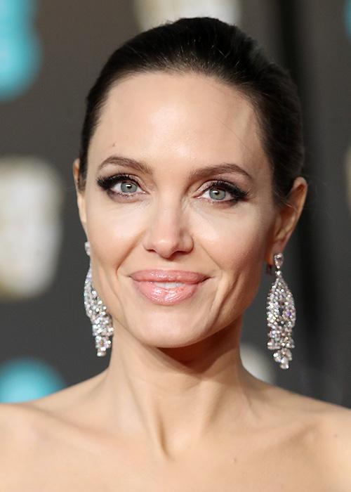 Angelina Jolie S Dermatologist Shares Her Skin Secrets Beauty Crew