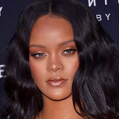Rihanna Just Created A Going-Out Makeup Tutorial