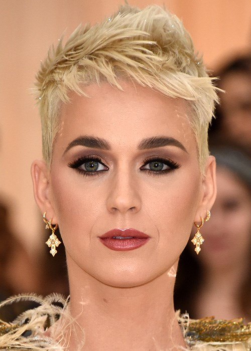 Katy Perry's Makeup Trick For Wide Eyes - Met Gala 2018