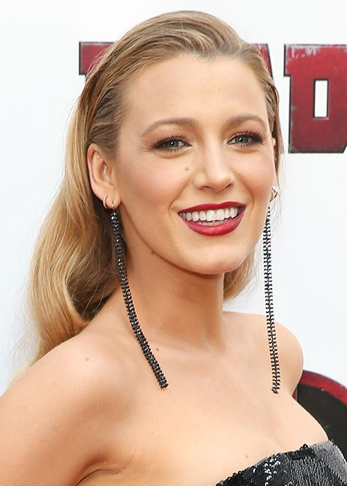 Blake Lively's epic manicure