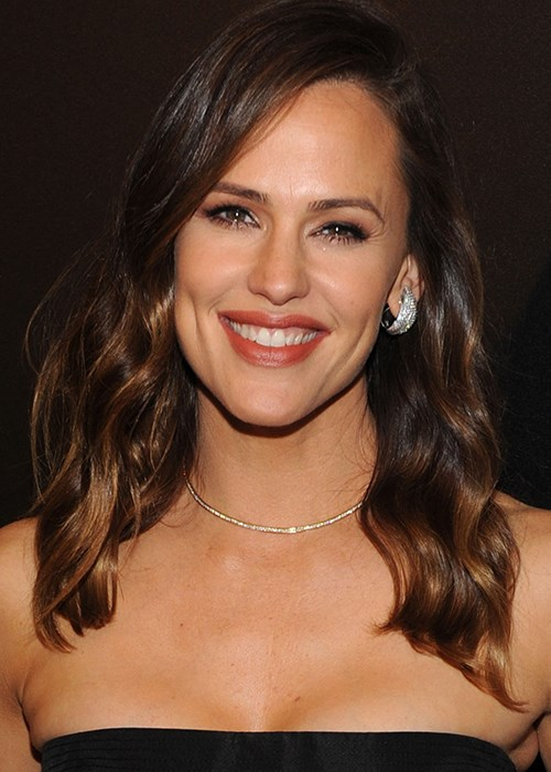 Budget-Friendly Secret To Younger-Looking Skin - Jennifer Garner