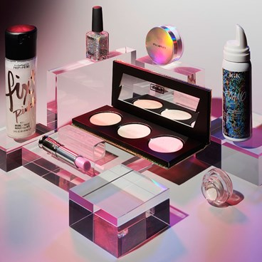 The Holographic Beauty Products Worth Trying