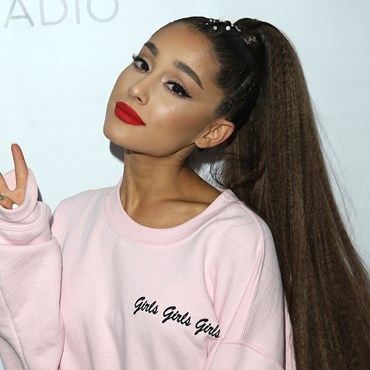 Ariana Grande's Vogue beauty look