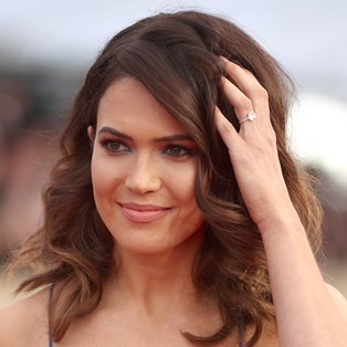 Mandy Moore touching hair