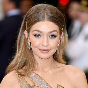 Gigi Hadid wore no foundation and still looks perfect
