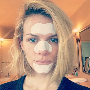 Brooklyn Decker pore strip