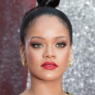 The Unusual Product Rihanna Uses To Set Her Brows