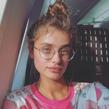 Taylor Hill - why your skin is breaking out