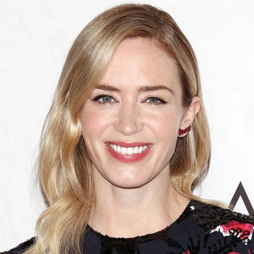 How to copy Emily Blunt's crown braid