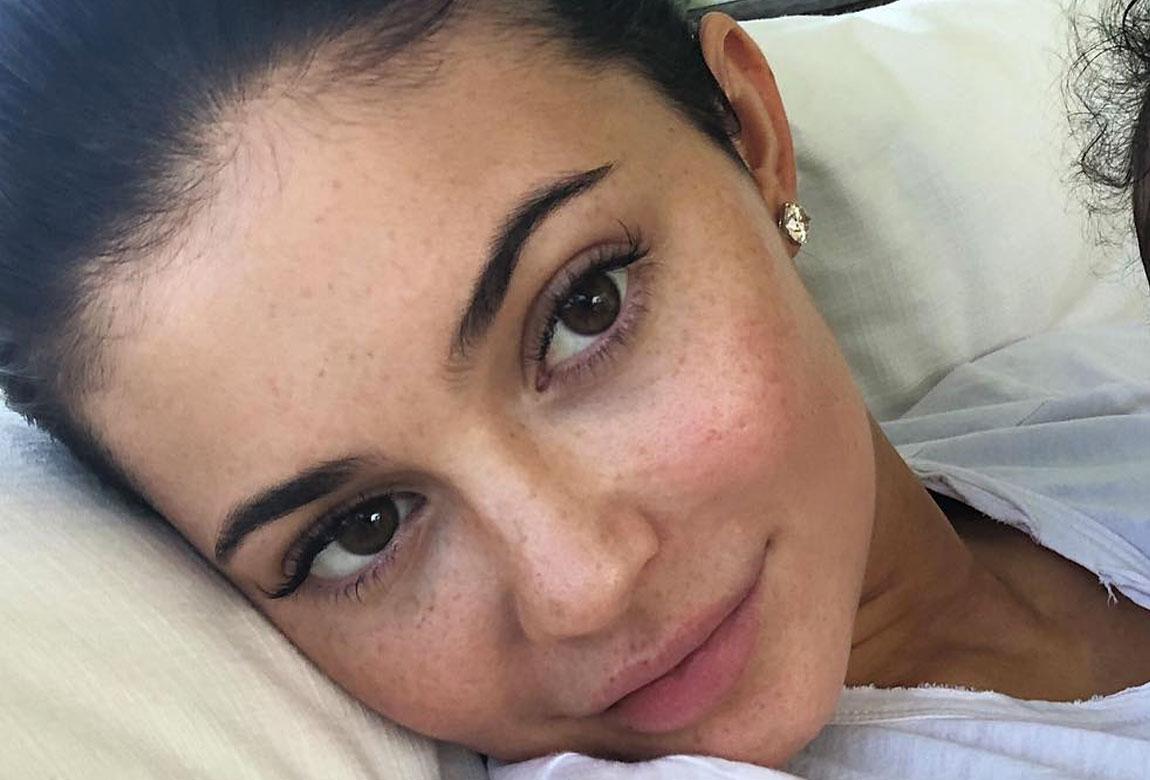 Best Celebrity Makeup Free Selfies Of 2018 Beauty Crew
