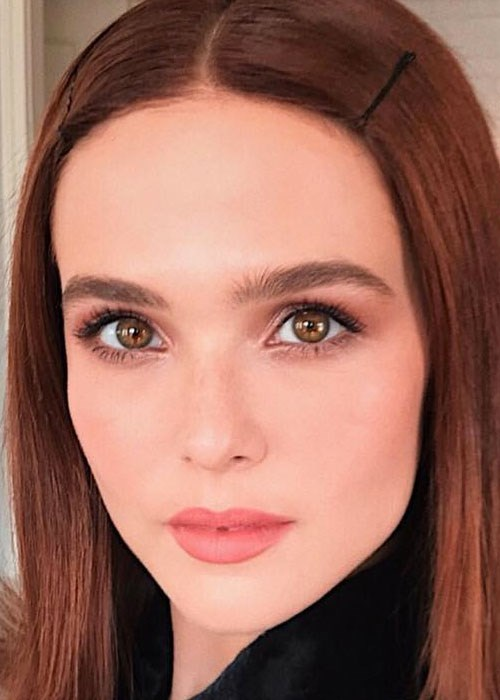 Zoey Deutch's trick to finding the perfect eyeliner