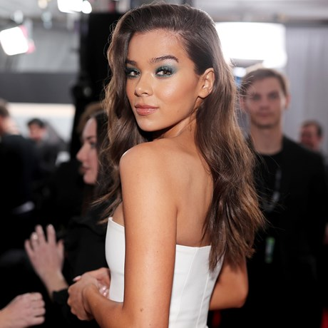 Solutions To 4 Annoying Body Care Beauty Problems - Hailee Steinfeld